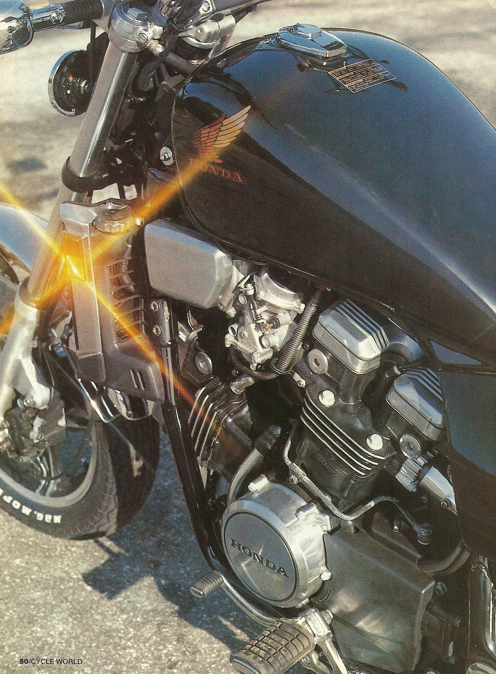 1983 Honda V65 Magna 03.jpg