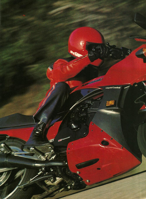1984 Kawasaki GPz 900R Ninja road test 01.jpg