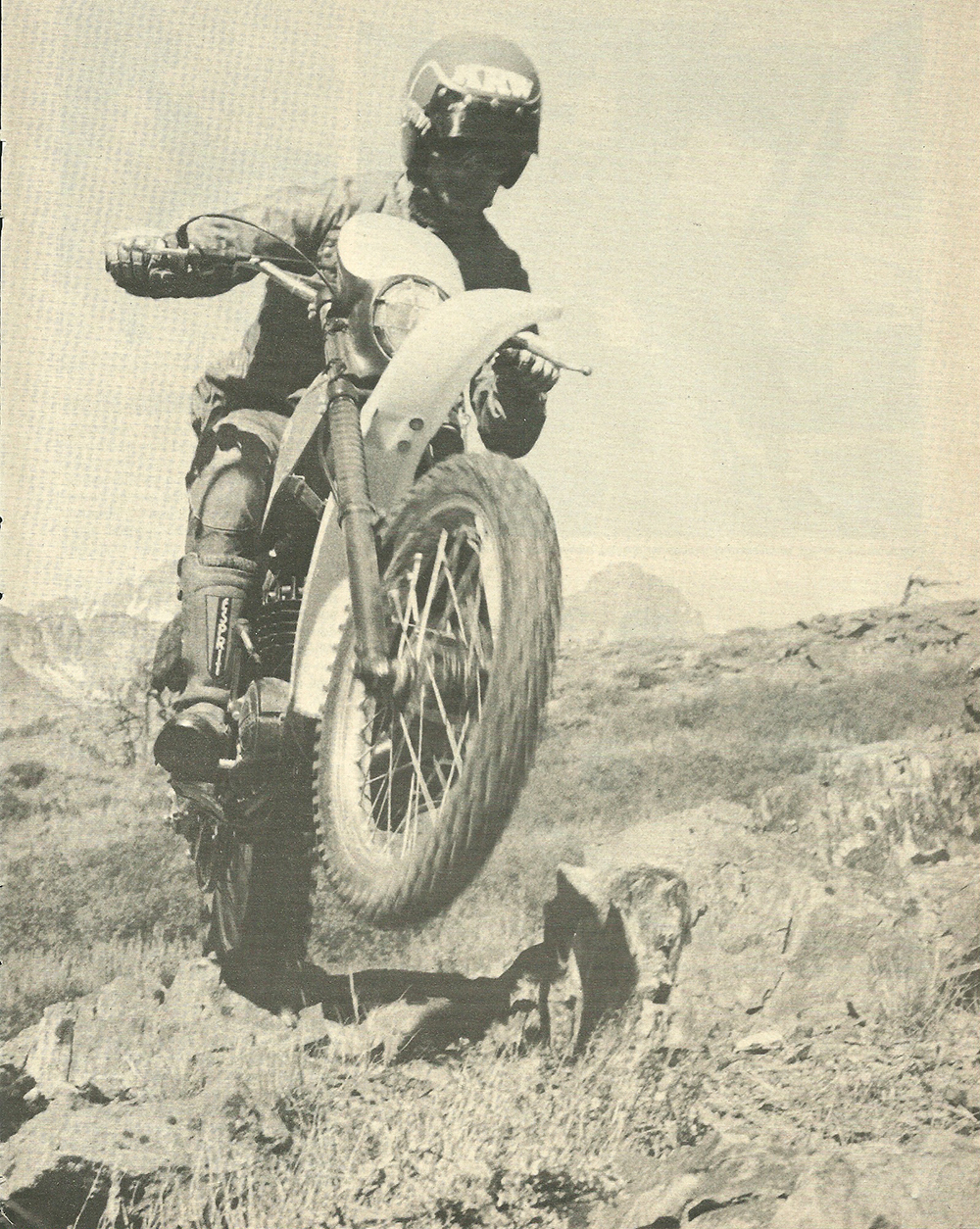1978 Montesa enduro 360H road test 04.jpg