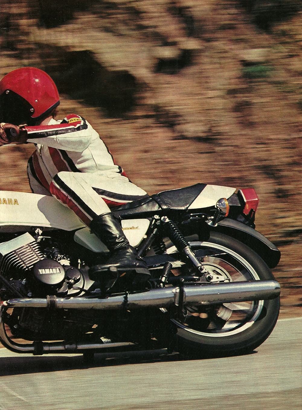 1979 Yamaha RD400F road test 02.jpg