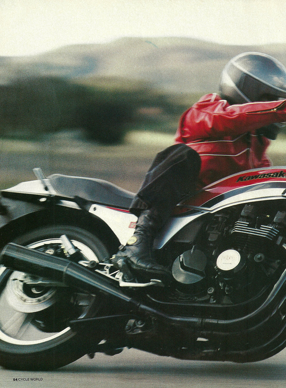 1984 Kawasaki GPz550 road test 03.jpg