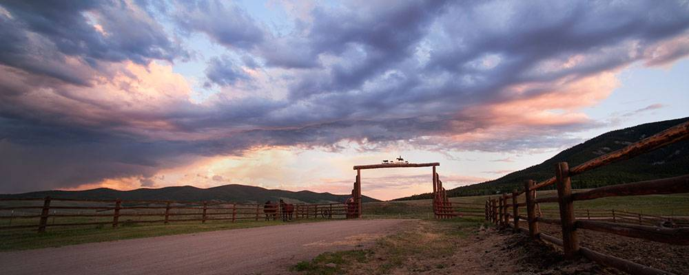 Image: Waunita Hot Springs Ranch