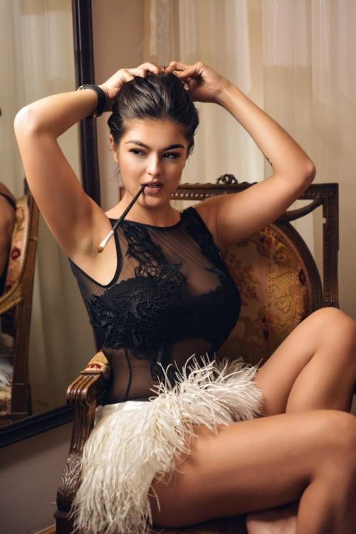 Fashion blogger Romea Adler Piccinino lingerie Mangano pygamas .JPG