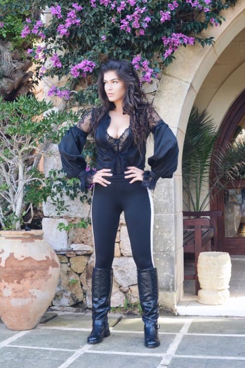 Romea Adler Ta'cenc hotel Spa Ranch Chanel Top shop LV
