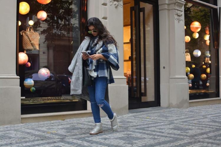 Romea Adler fashion blogger zara poncho layering
