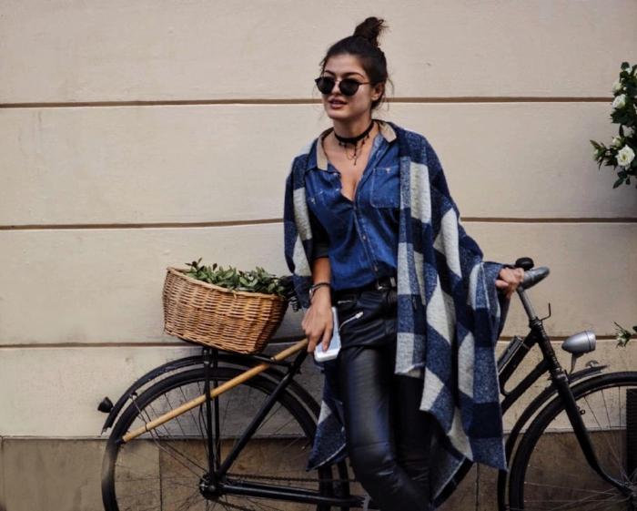 Romea Adler fashion blogger zara poncho hm
