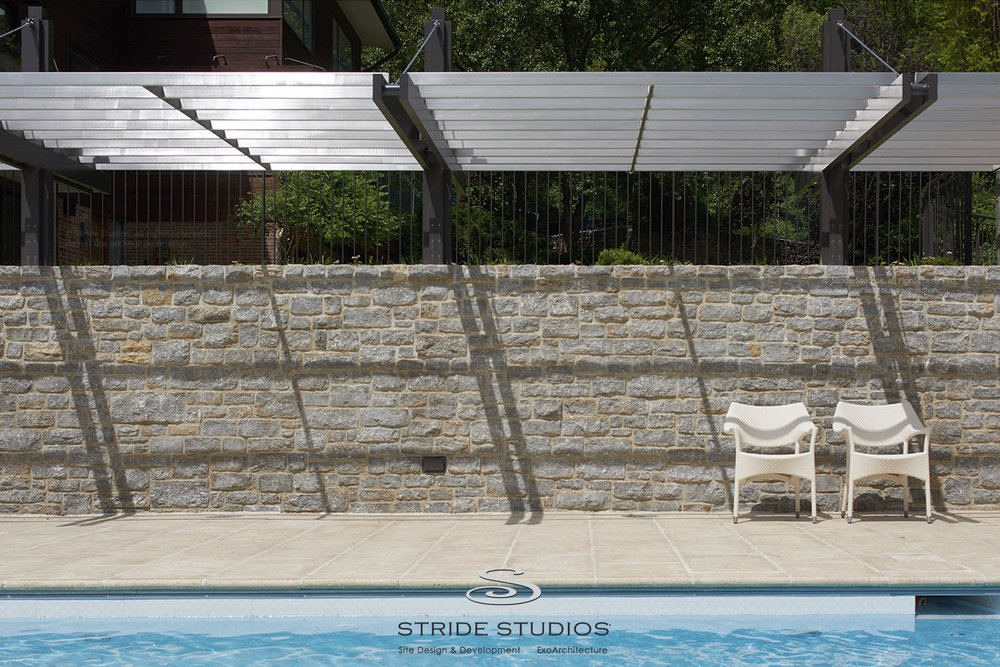 16-stride-studios-pool-contemporary-cantilevered-pergola.jpg