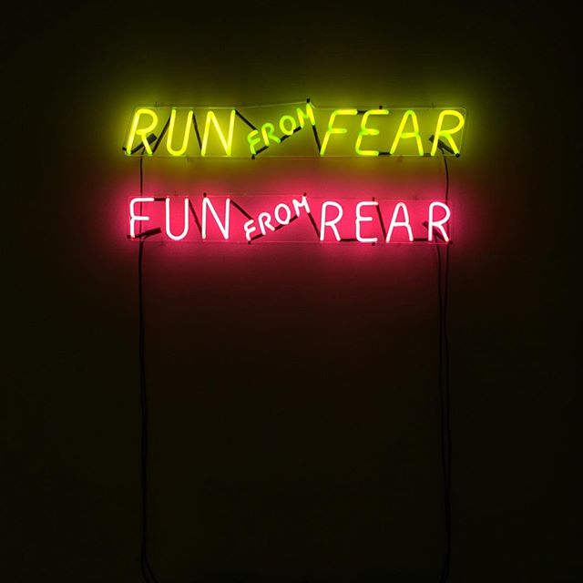#Neon Monday vibes ✨ Perfect with the full moon 🌕 still in #Scorpio, baby! Apparently this moon means that deep insights abt who we really are have been revealed to us, and now we get to flip things and live from the inside out ⚡️. . Love that this is hanging in a museum. #BruceNauman — artist of neon wordplay and lover of philosophy. Work from 1972. #highbrowhippie #wisewordplay #fullmooninscorpio