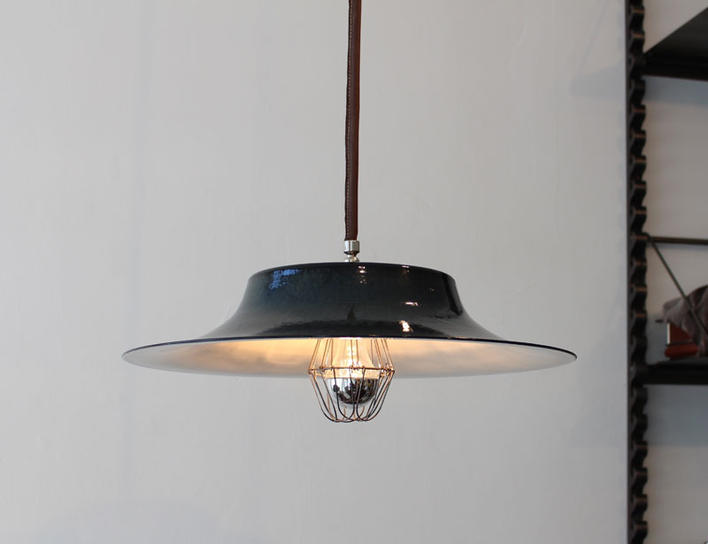 pendant-lamp-spanish-hat-incident.jpg