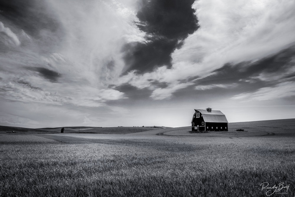 Palouse Country Barn BW.jpg
