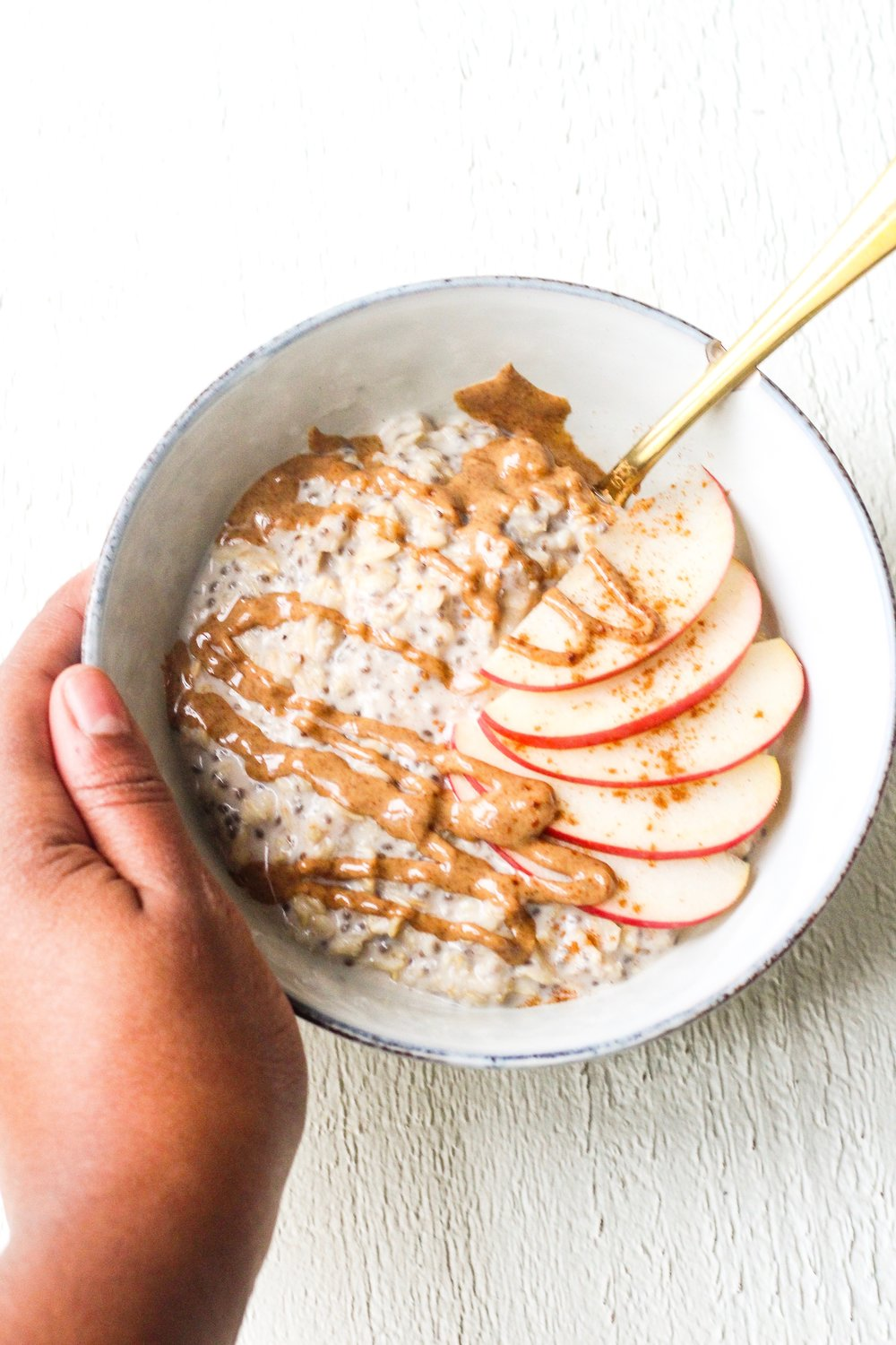 Easy Apple Cinnamon Oatmeal