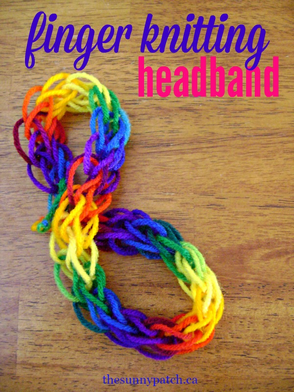 Make a simple finger knitting headband with your kids - very easy craft project for kids.