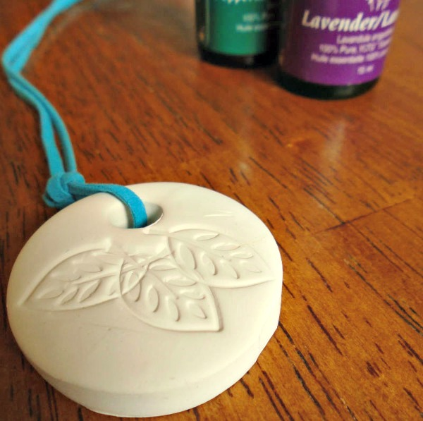 how to make a diffuser necklace
