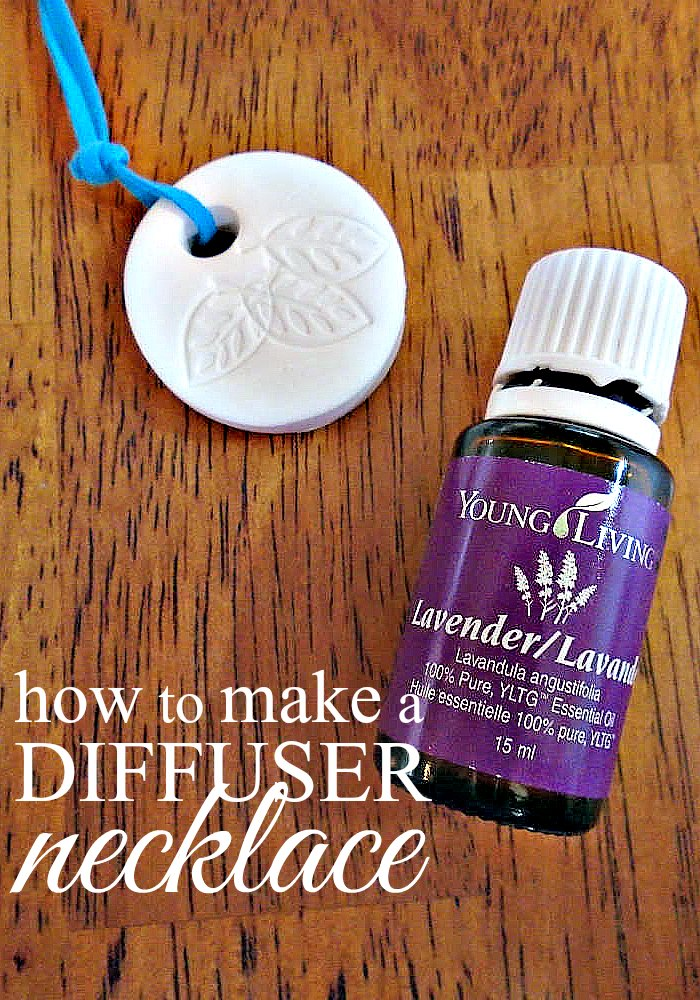 Making your own essential oil diffuser jewelry is really very simple and easy to personalize. Let's learn how to make a diffuser necklace.