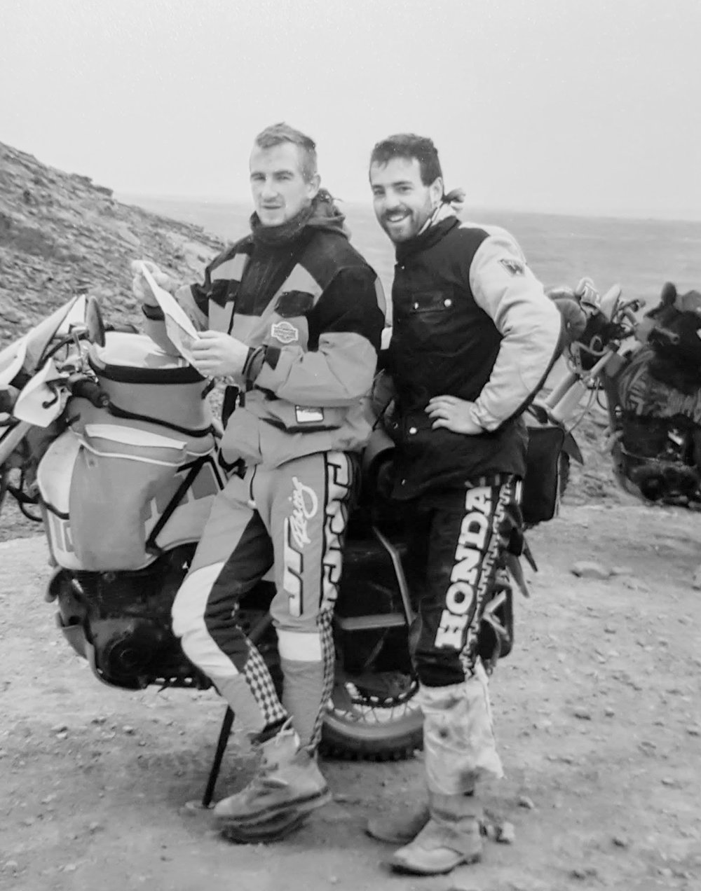Mark & Pitsch checking the map in the middle of the Sahara - 1991