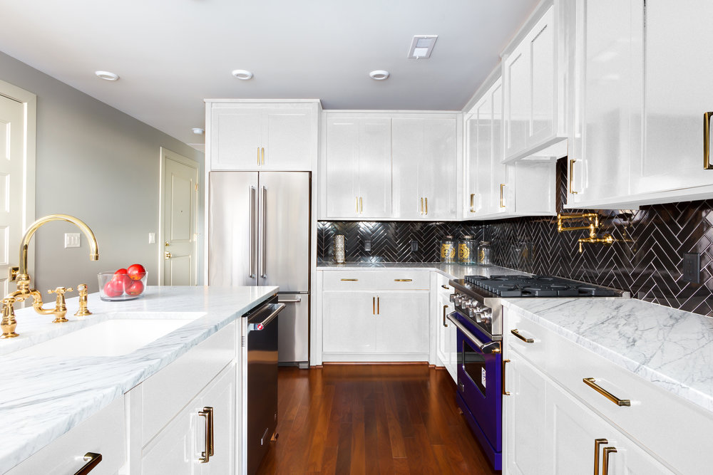 Unit 3 6 9_White Kitchen_View1.jpg