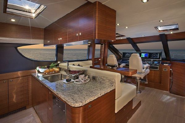 65' REGENCY PILOTHOUSE8.jpg