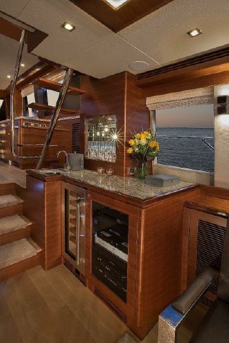65' REGENCY PILOTHOUSE7.jpg