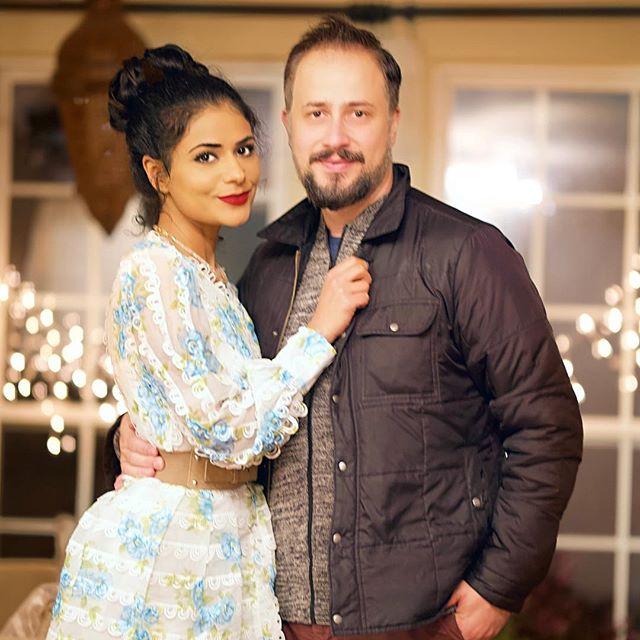 Photo from last week when we celebrated our wedding anniversary ❤️❤️❤️ صوره من الاسبوع الماضي لما احتفلنه بعيد زواجنه ❤️❤️❤️