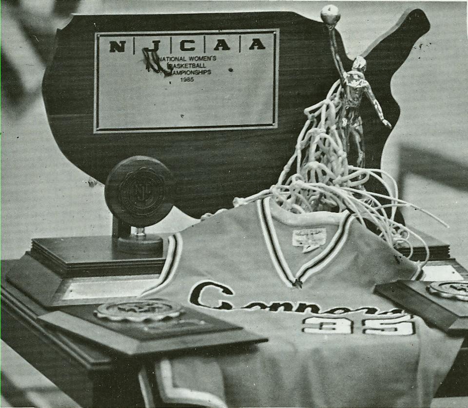 Retiring jersey 35, 1985