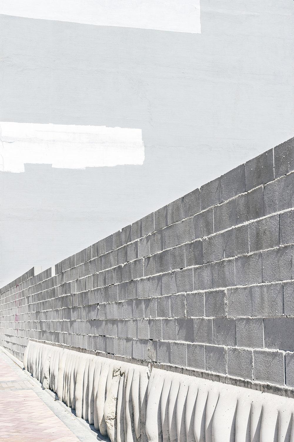 Fábio Cunha, do livro  Zona , 2017   AULA ABERTA: FÁBIO CUNHA E MARIANA VELOSO    20 Fev 2018 / 19h30   WORKSHOP: FOTOLIVRO — LIVROFOTO  3 Mar — 13 Mar 2018  Atelier de Lisboa