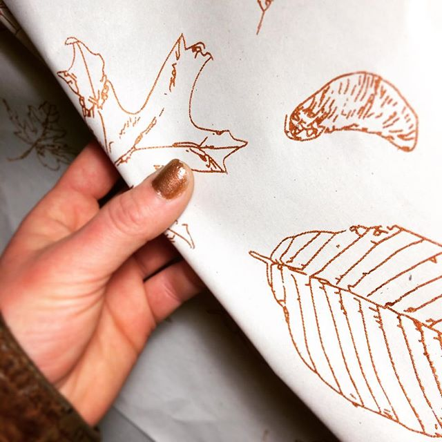 🍂💅🏼#screenprinted #wrapping paper #inspiration