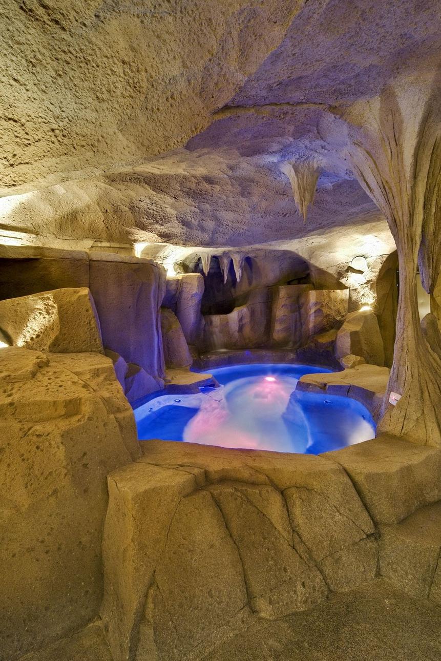 Grotto spa cave