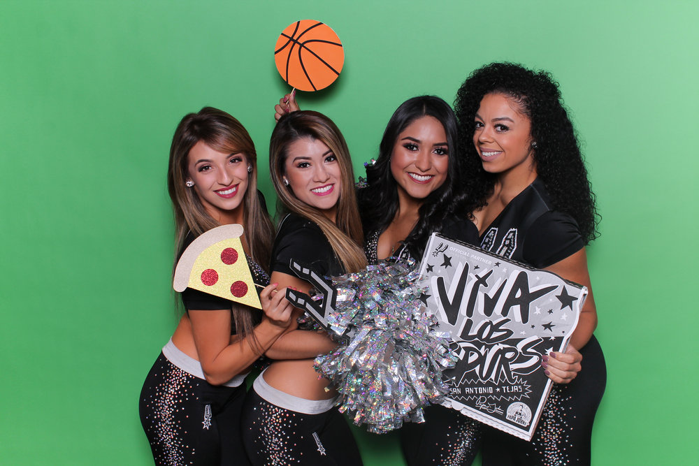 GREEN SCREEN 5050 PHOTO BOOTH SAN ANTONIO