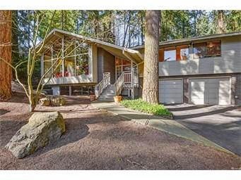 12816 NE 32nd Place, Bellevue | $880,000