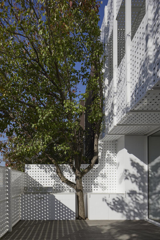 NORTHBOURNE_perfpad_north courtyard a.jpg