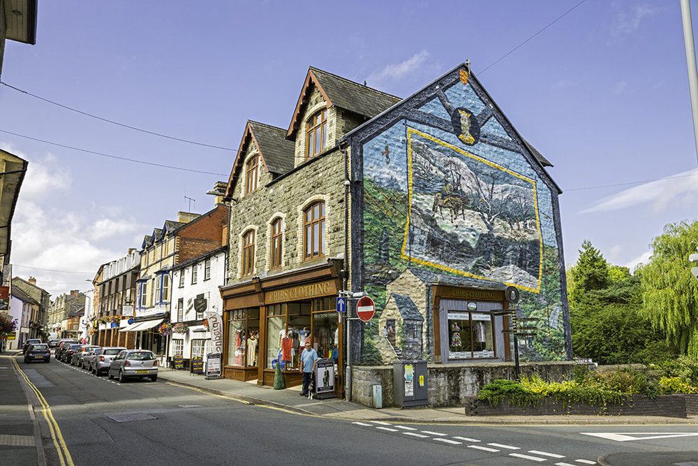 The mural of the last native prince of Wales in Builth Wells (Credit: Visit Wales)