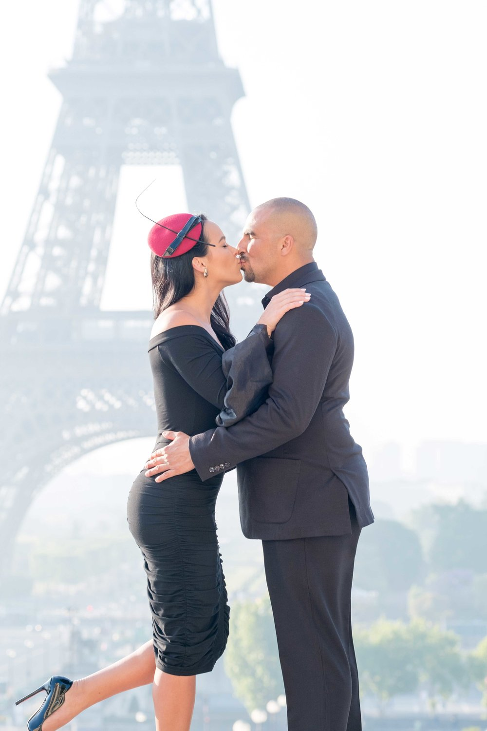 jessica & alvaro - This dynamic, recently engaged couple from Miami, Florida blew me away with their style and elegance. We spent a beautiful Saturday morning together exploring areas by the Eiffel Tower and Louvre. Don't you love her red hat?See more images here