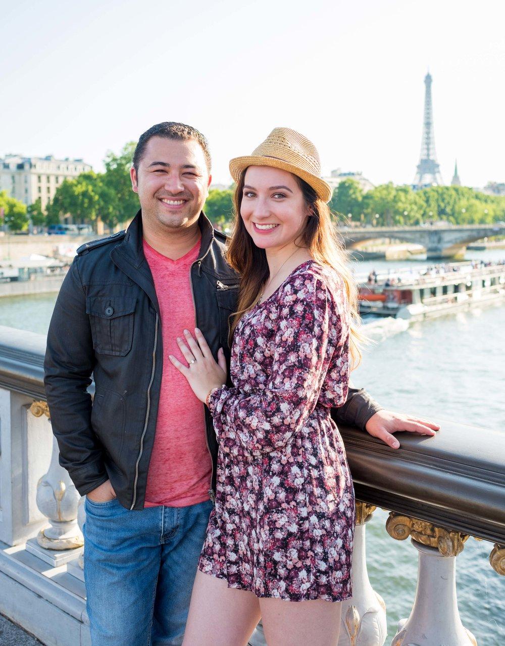 Surprise proposal on Pont Alexandre bridge in Paris