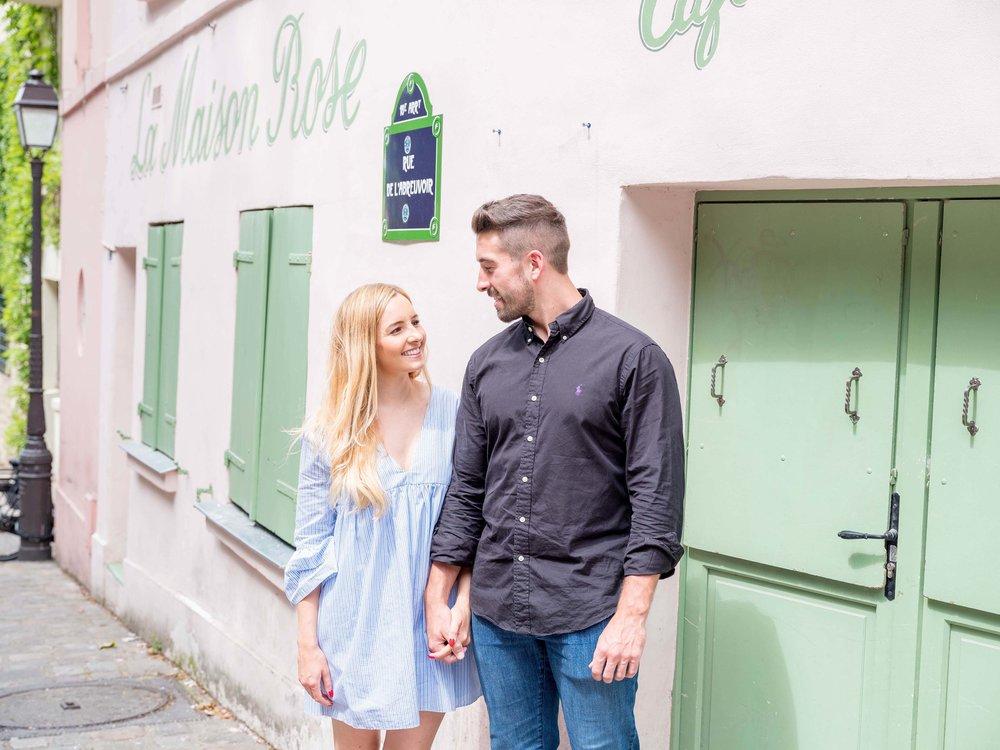 Surprise proposal in Montmartre Paris