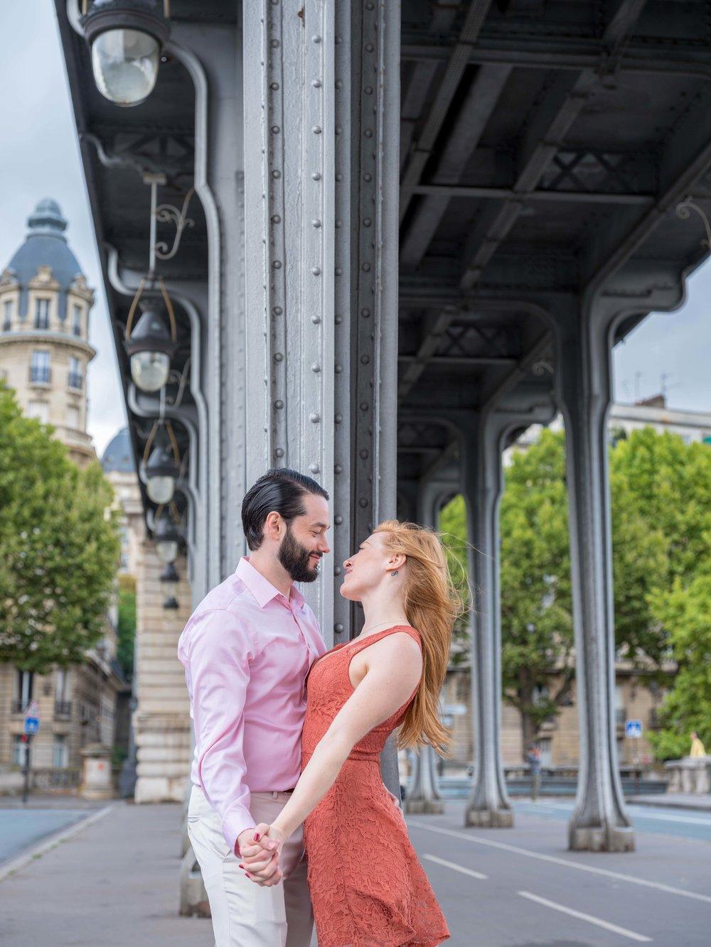 paris photo shoot couple in love