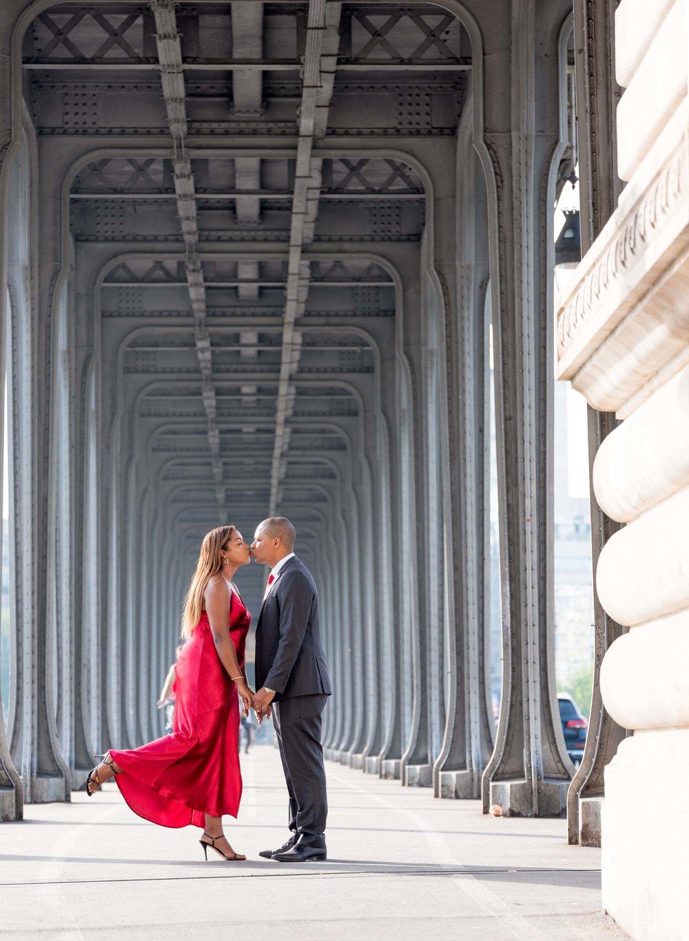 newly engaged couple paris france