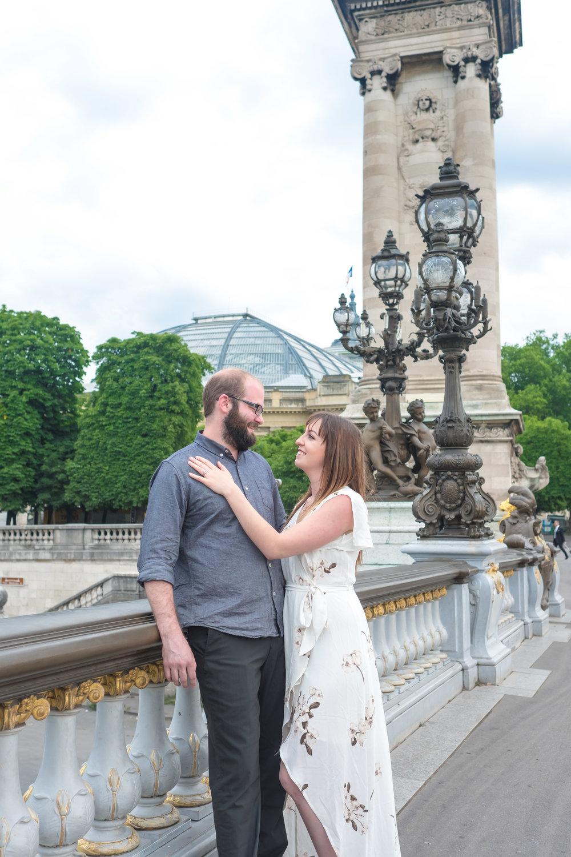 engaged couple paris photo shoot
