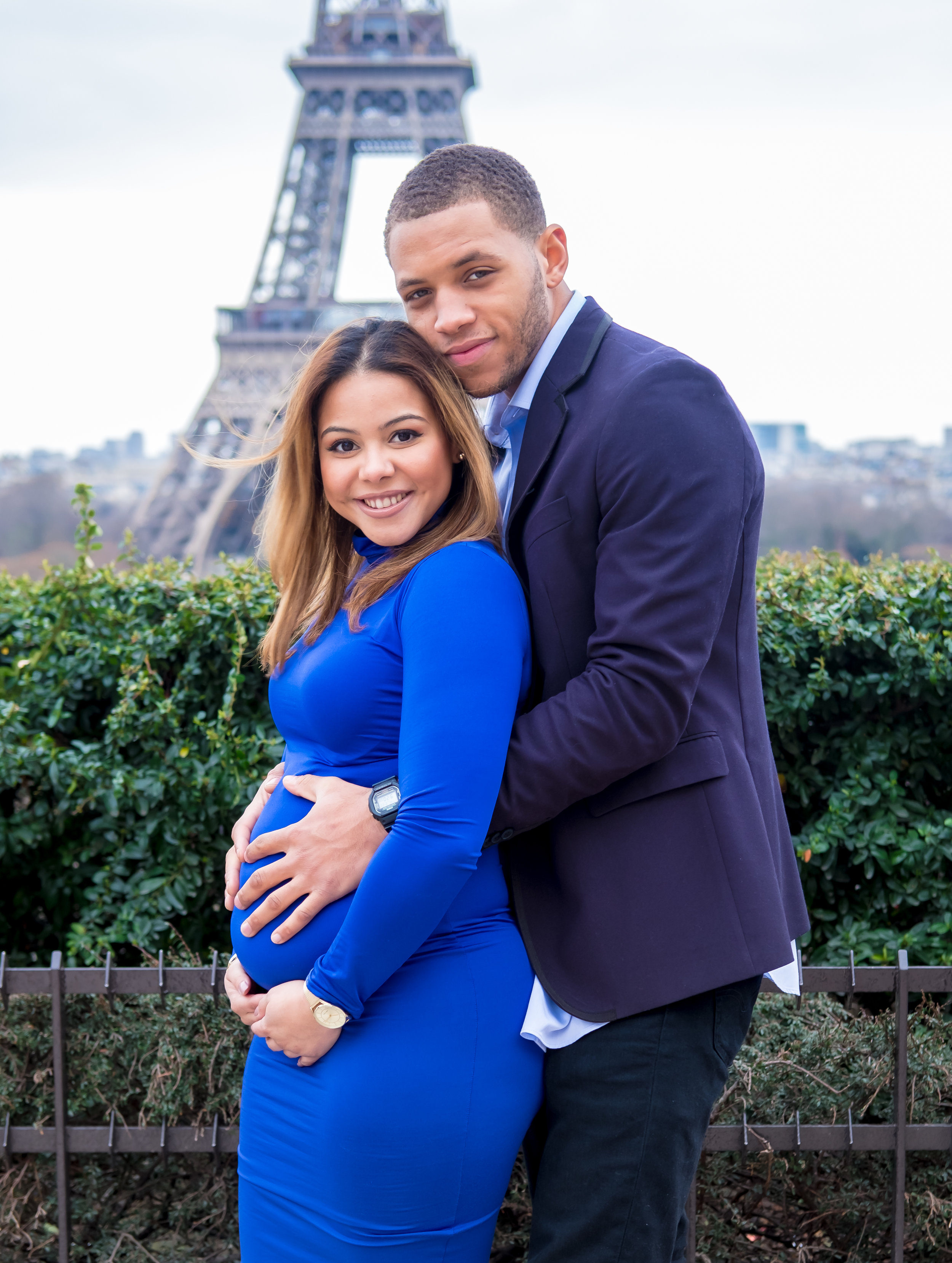 Paris maternity photo shoot