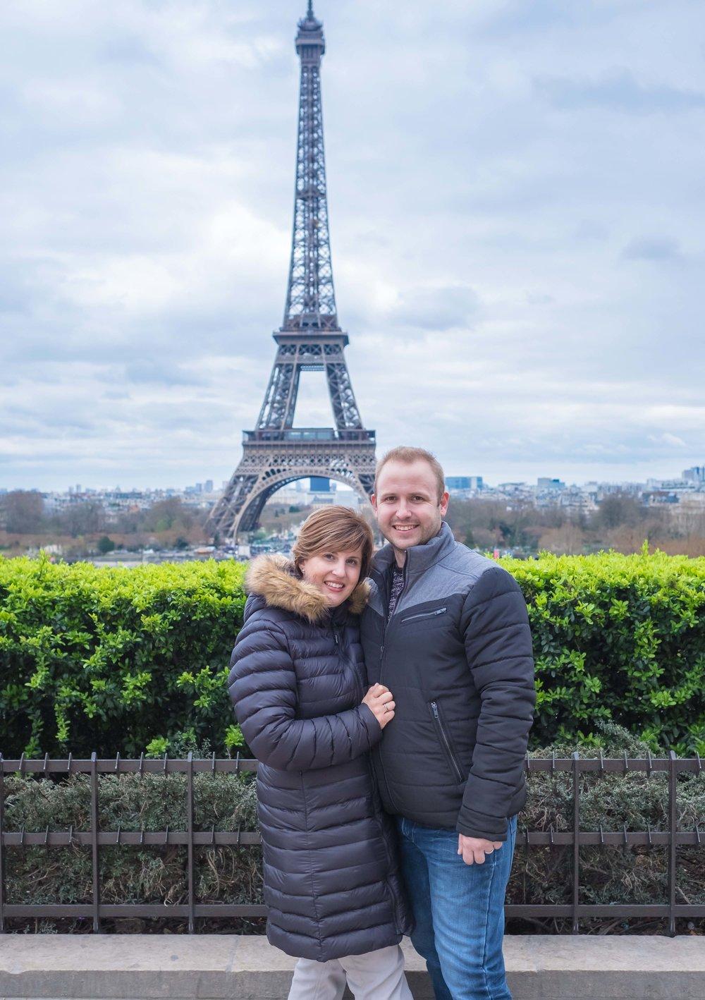 anniversary photo shoot in paris