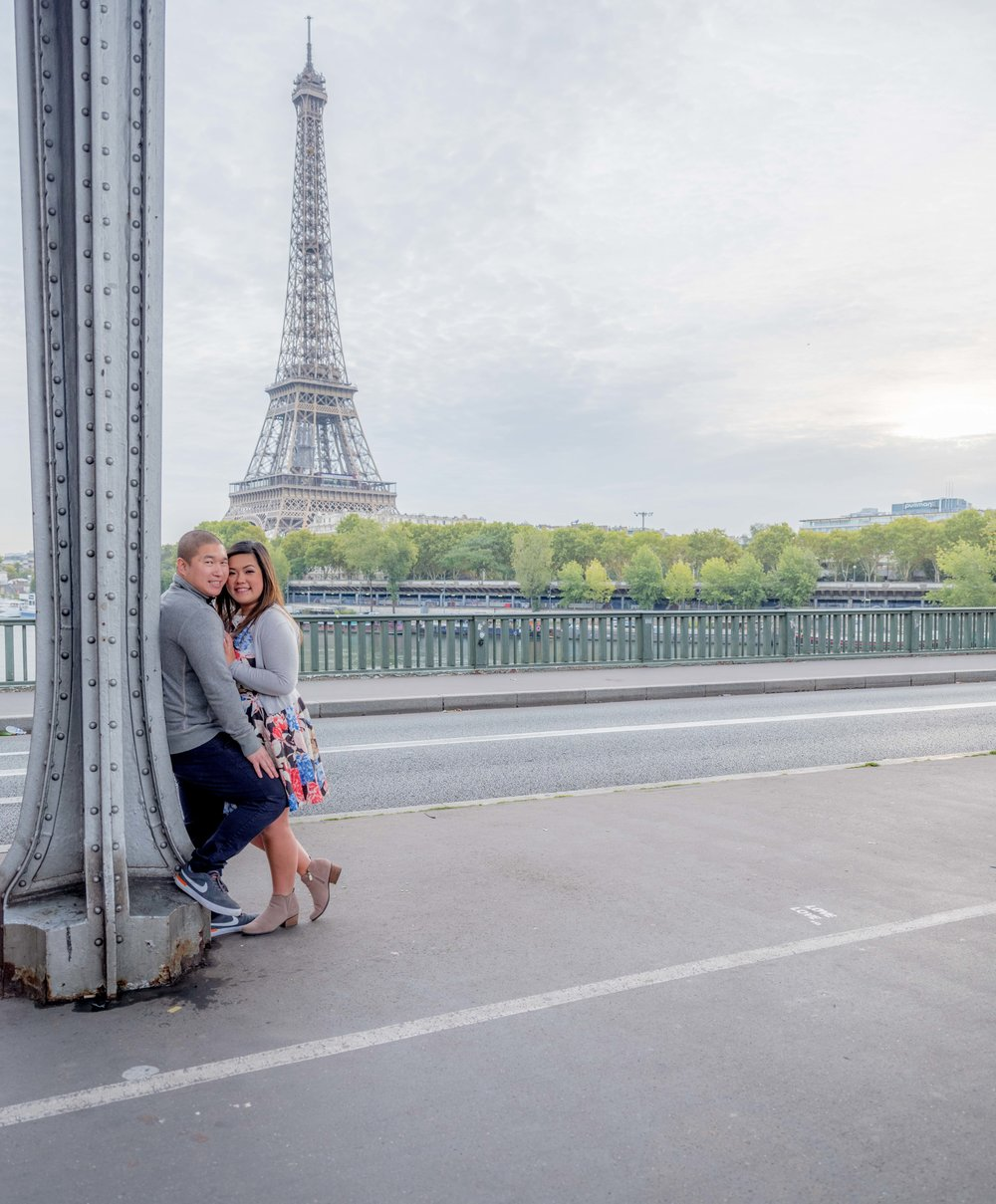 couple in love at eiffel tower paris