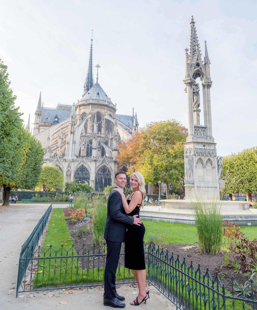 surprise proposal at notre dame cathedral paris