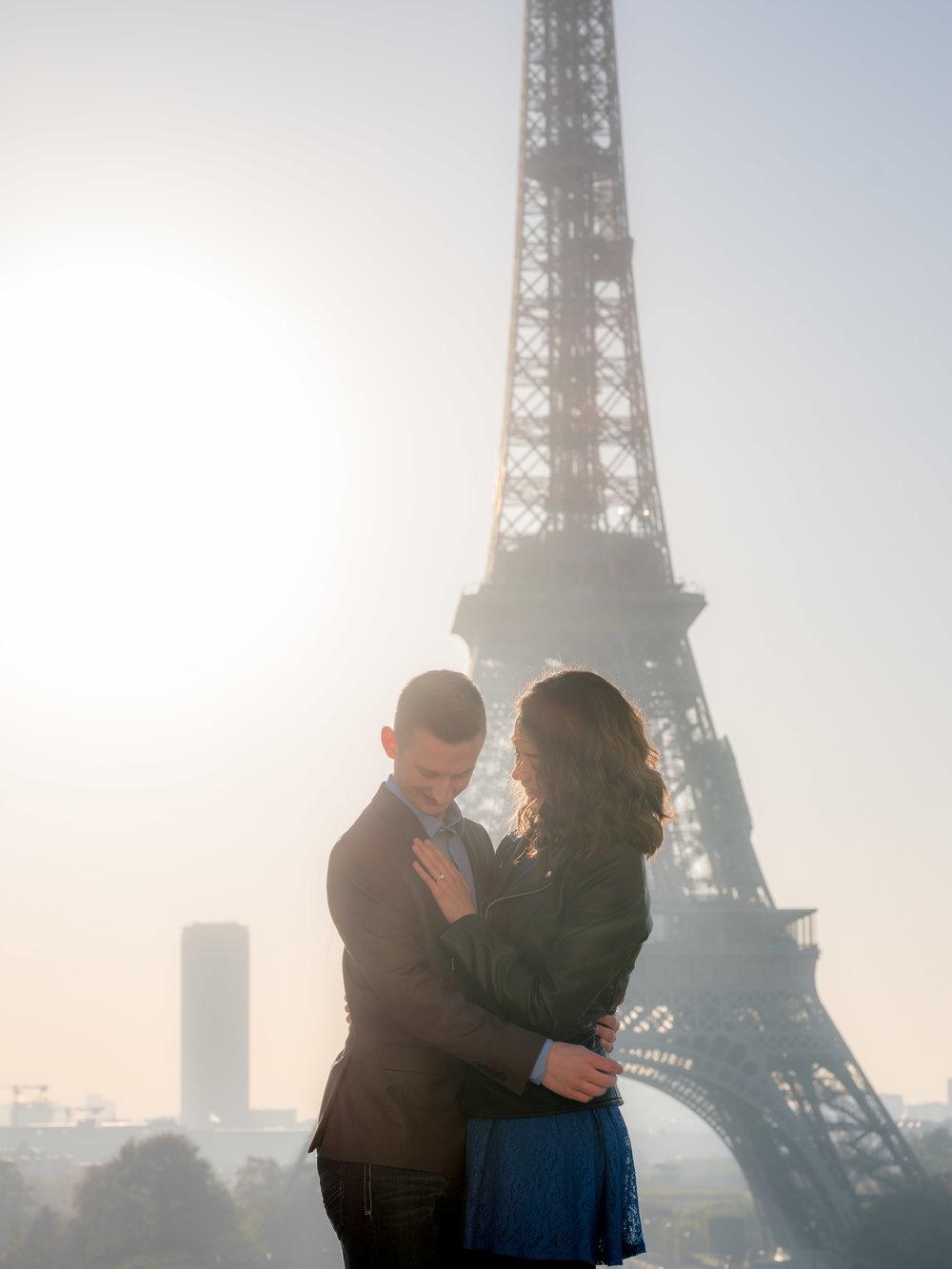romantic couples surprise proposal paris eiffel tower