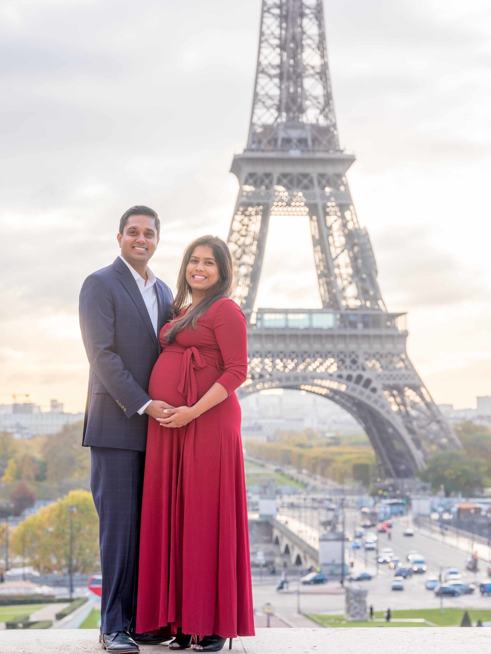 maternity photo shoot eiffel tower paris