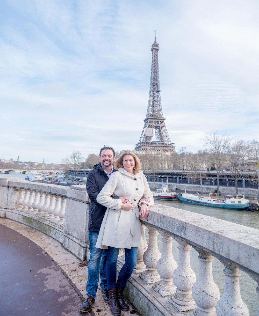 surprise proposal paris eiffel tower