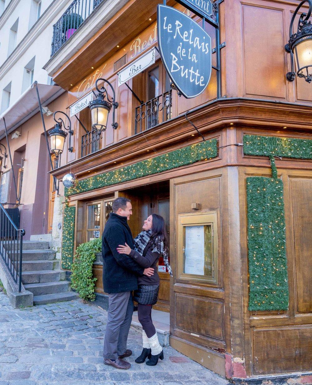 surprise proposal photo session montmartre paris