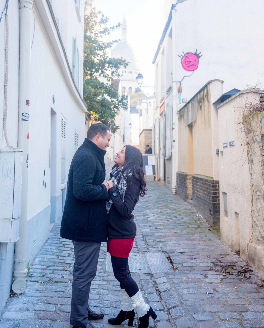 surprise proposal photo session montmartre paris