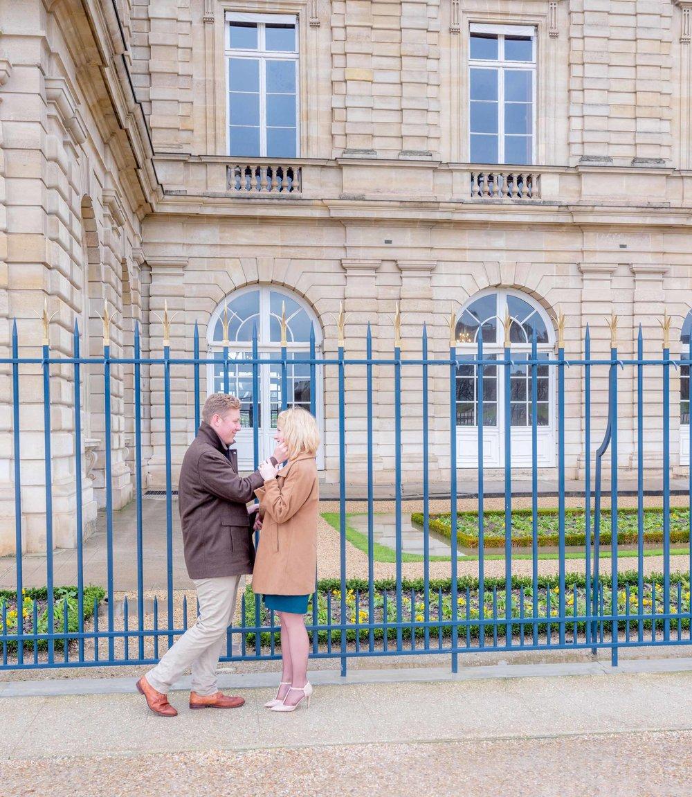 engagement photo shoot paris latin quarter
