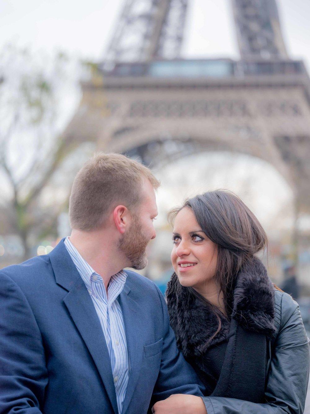 surprise proposal eiffel tower paris