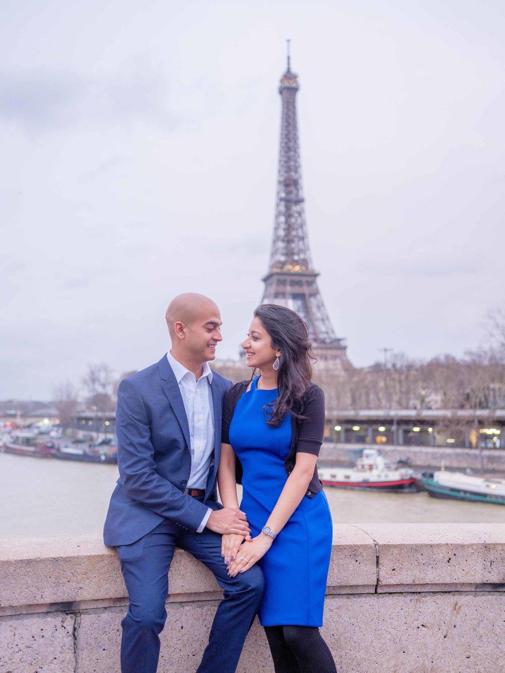 paris surprise proposal eiffel tower