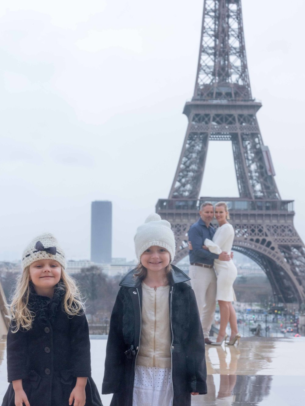 family photography eiffel tower Paris